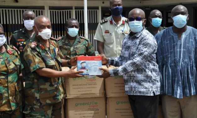 Ret'd GAF Officers with UN give to 37 Military Hosp.