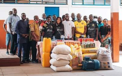 Jonathan Mensah donates food and essential supplies to Dzorwulu Special School