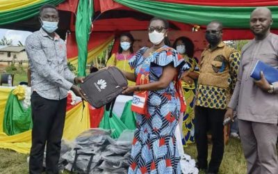 Huawei Ghana gives 200 smartphones to support rural digitalization in Bonuama and Mile 3
