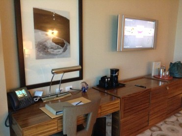 Desk, coffee, minibar area