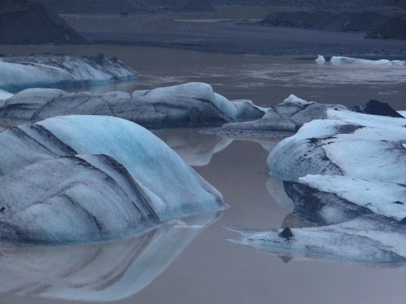 Floating glaciers in lake in Iceland