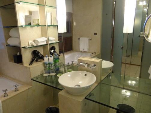 Westin Sydney bathroom