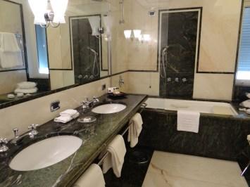 Excelsior Naples bathroom