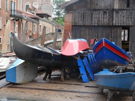 Venice Gondola workshop in rain