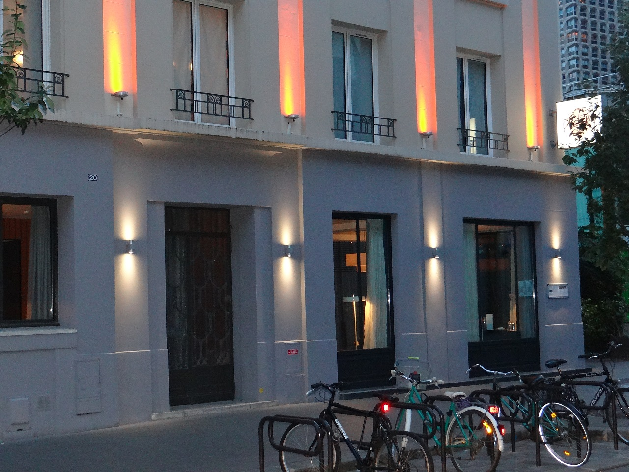Paris boutique hotel hip glamour at the platine hotel for Paris boutiques hotels