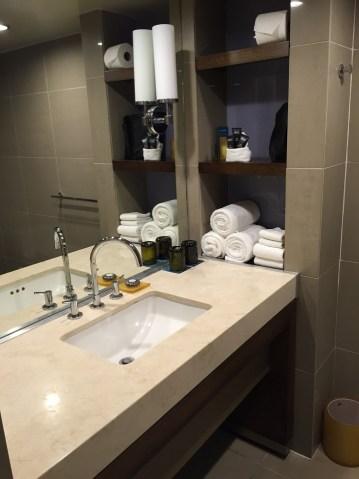 Hotel La Jolla bathroom Kimpton