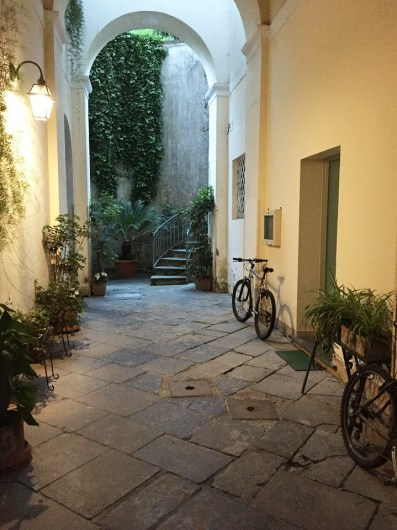 B&B Antica Dimora Piano di Sorrento courtyard