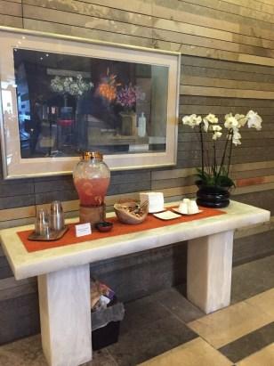 Four Seasons Seattle lobby refreshments
