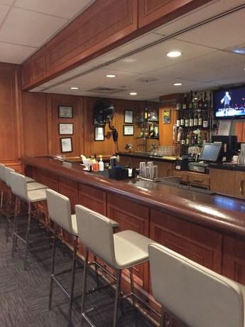 Bar at the United Club PHL Lounge