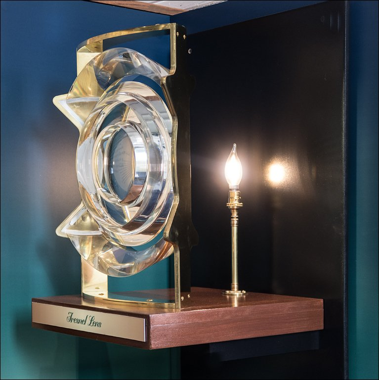 Fresnel Lens Demo Exhibit