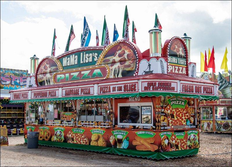 Mama Lisa's Pizza