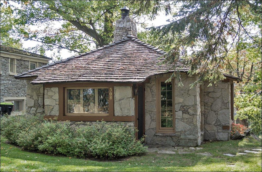 Charlevoix Mushroom Houses