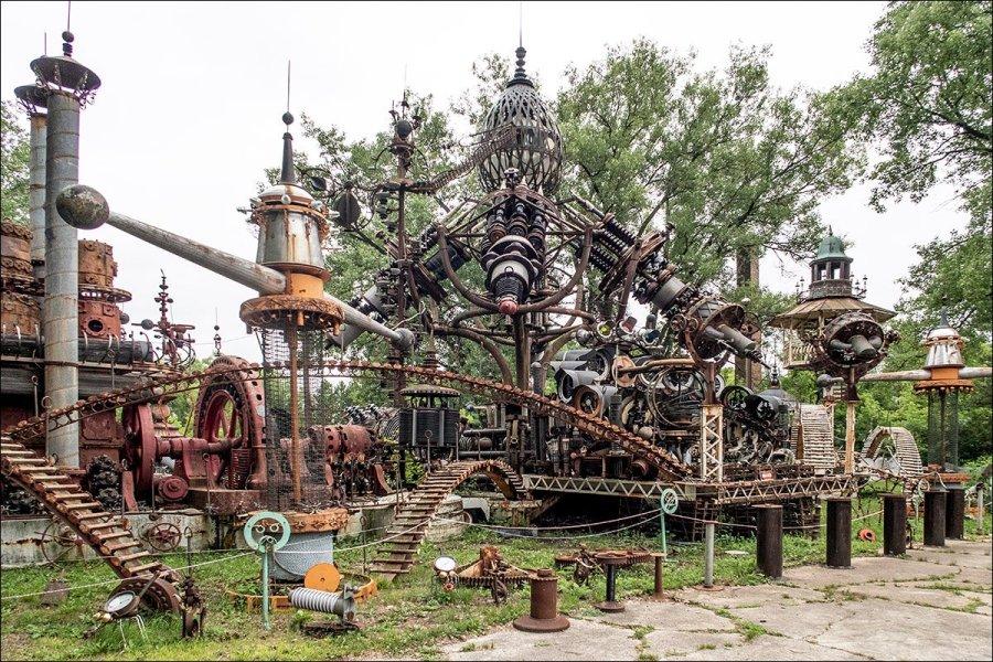 Dr. Evermor's Sculpture Park - Forevertron