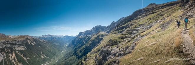 Après le col d'Anisclo descente dans la vallée de Pineta