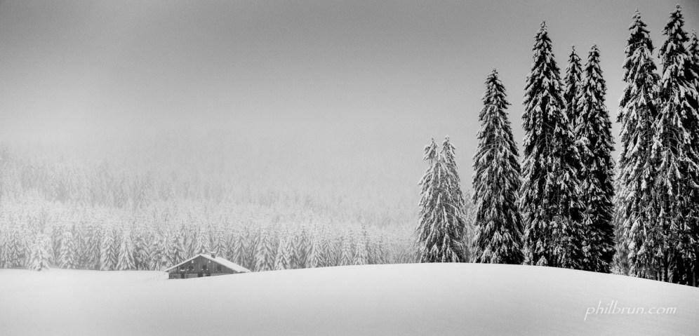 Paysage du Jura en noir et blanc