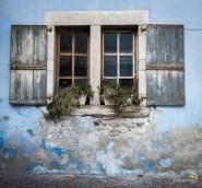Une jolie fenêtre de maison à Ceillac