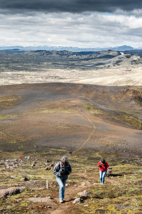 Le sommet approche. On voit le sentier de montée en arrière plan