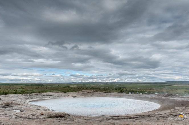 Ensuite, le geyser se repose et si on n'y prête pas attention on pourrait croire que c'est une vasque