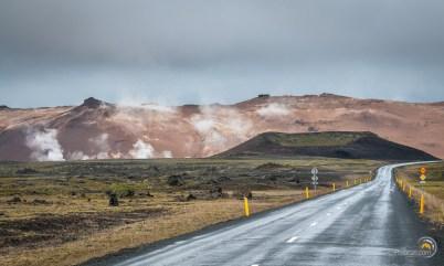 Arrivée par la route au site d'Hverarond