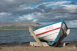 Une barque traditionnelle Islandaise sur le bord du lac Laugarvatn