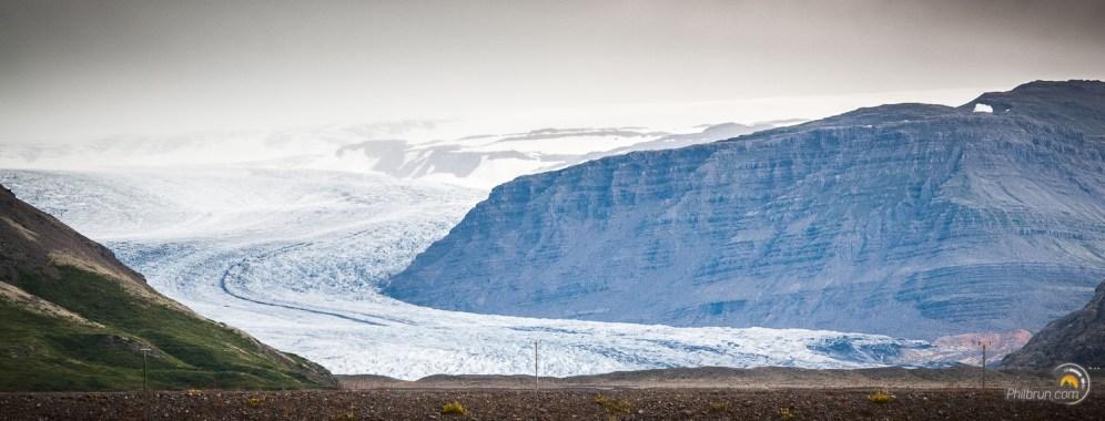 Les glaciers viennent lécher la route