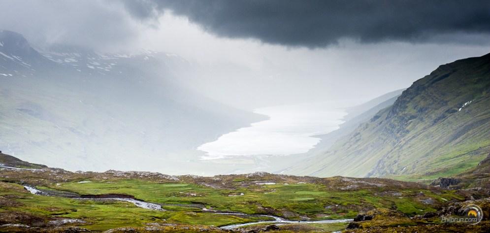 l'extrémité du fjord de Mjoifjordur