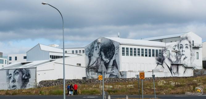 De magnifiques graff sur les murs de cette usine