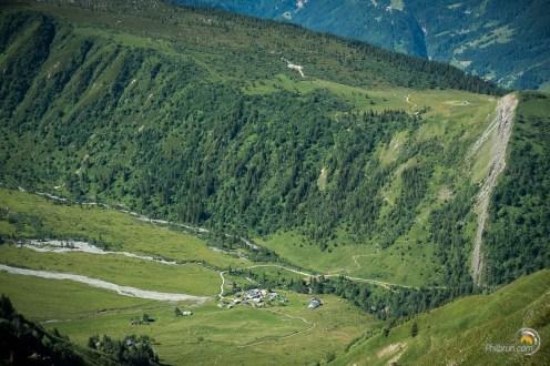 Nous passerons par ce fond de vallée avant de remonter au chalut du Truc