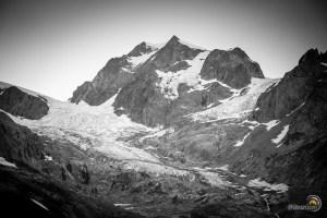 La montagne au-dessus du refuge Élisabetta. L'aiguille de Tré la Tête.