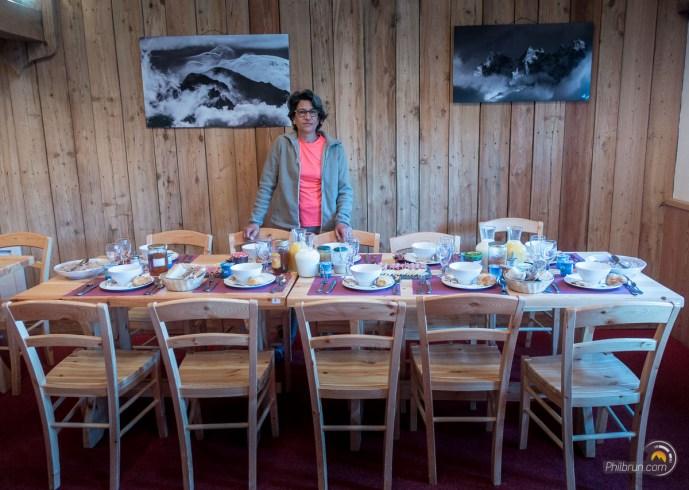Ce matin le petit déjeuner le plus mémorable de ce TMB ! Merci et bravo aux Écuries de Charmillon !