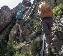 Voilà les échelles qui permettent de franchir les éperons rocheux d'accès au Lac Blanc.