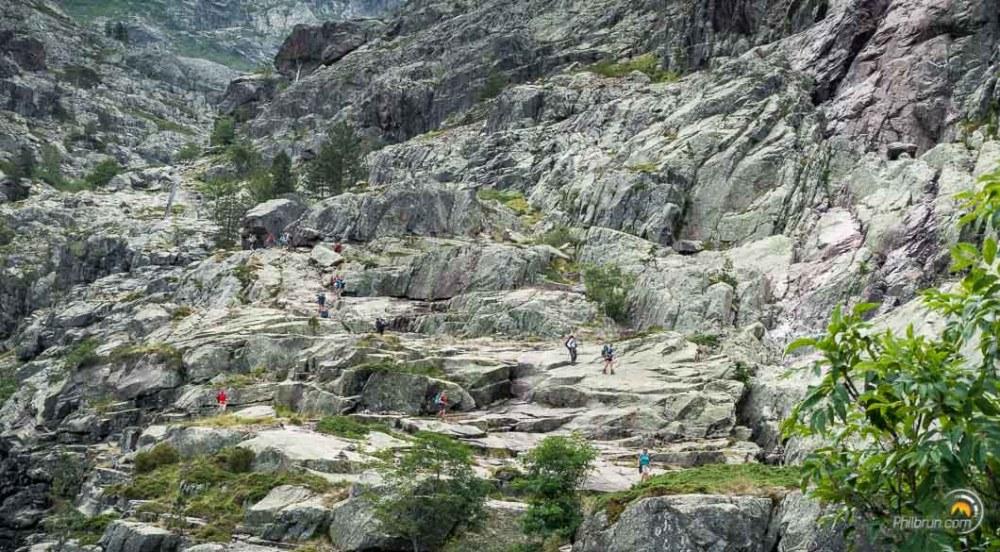 Les rochers de descente vers Carozzu