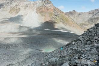 arrivée au petit lac de fonte du glacier