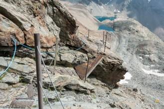 les passages sécurisés de la descente du col de Valcorniere