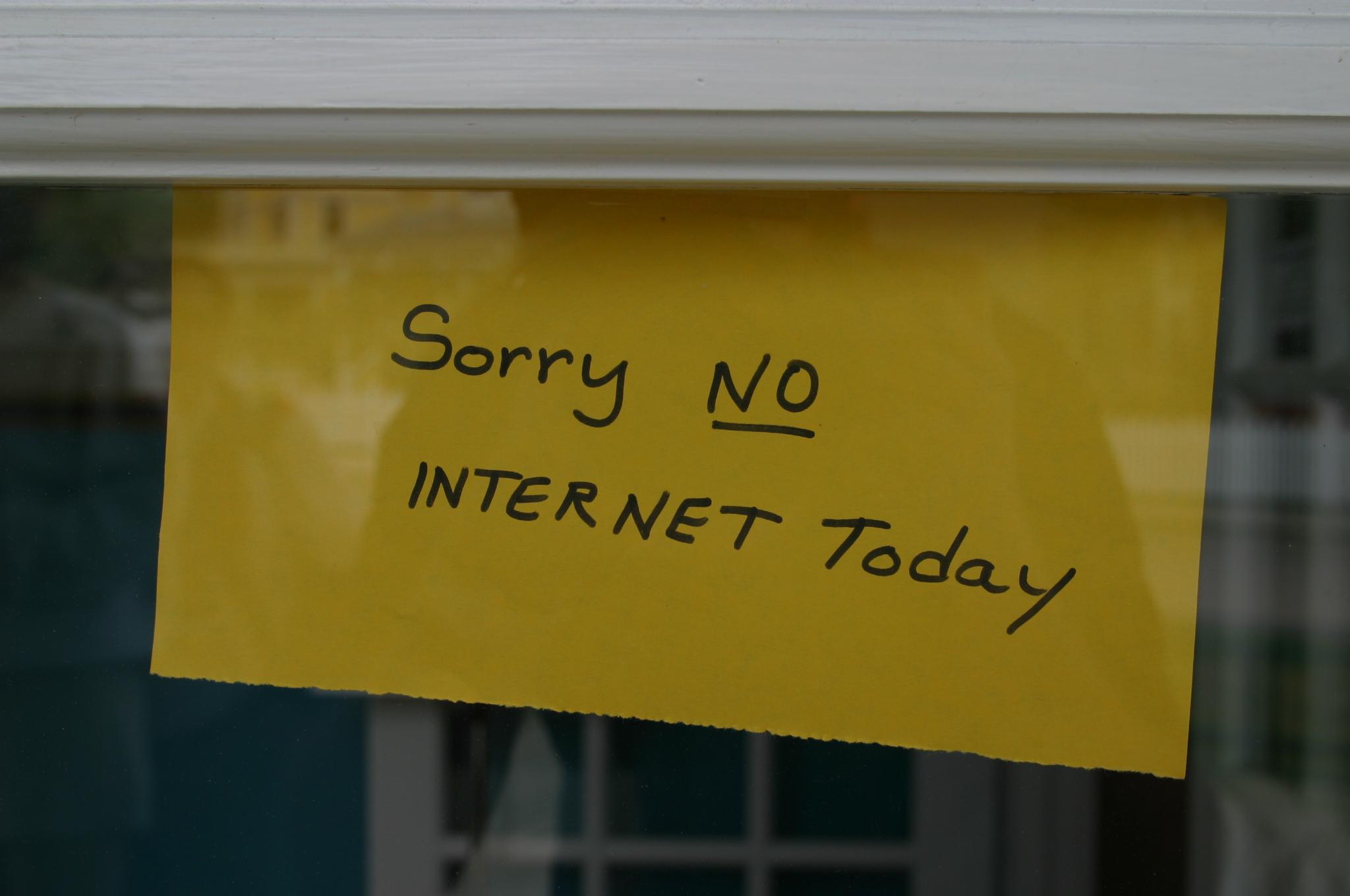 https://i1.wp.com/philip.greenspun.com/images/200206-michigan/sorry-no-internet-today-1.jpg