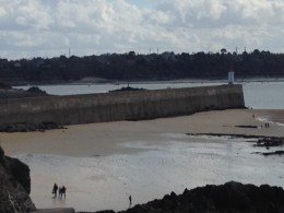 low tide at the breakwater (mole) 9 April 2016 at 17:17