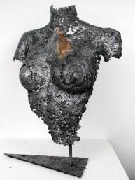 Sculpture de Philippe Buil en dentelle d'acier et plaque de Bronze - Pièce unique - hauteur 55 cm - Série Belisama