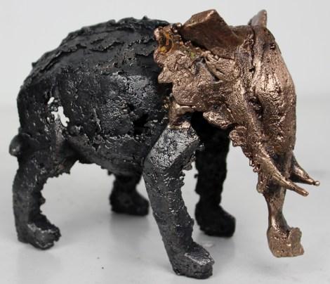 Sculpture de Philippe Buil en metal Dentelle de Bronze et d'acier représentant un elephant Piece unique Elephant Celeste