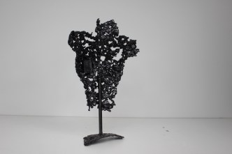 61 - Pavarti une goutte - Sculpture Philippe Buil - Buste femme en dentelle d'acier dos