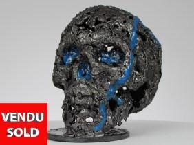 Sculpture métal vanité - tête de mort en dentelle d'acier - crane en fer - H 16 cm Vanity metal sculpture - skull in steel lace - iron skull - H 16 cm Vanity Metallskulptur - Schädel aus Stahlspitze - Eisenschädel - H 16 cm Escultura de metal vanidad - calavera en encaje de acero - calavera de hierro - H 16 cm Scultura in metallo vanità - teschio in pizzo d'acciaio - teschio in ferro - H 16 cm