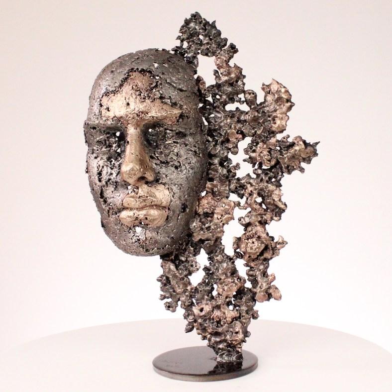 une larme 48-21 sculpture visage metal acier bronze a tear III face sculpture metal steel bronze philippe BUIL