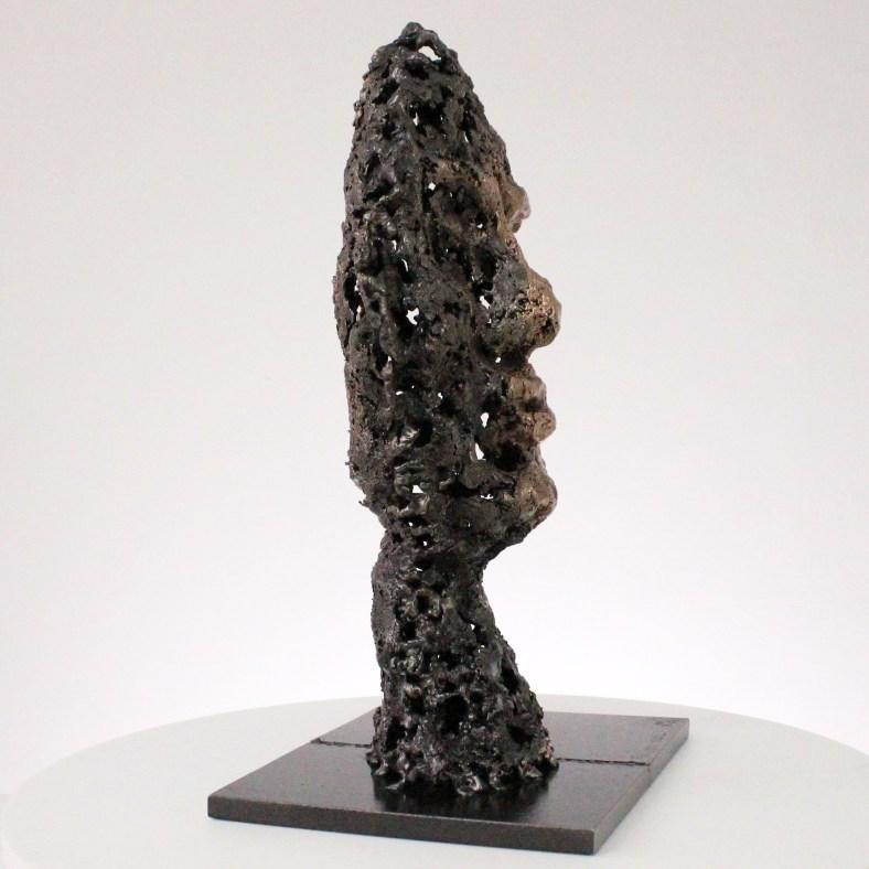 un roc sculpture visage metal acier bronze a rock face sculpture metal steel bronze philippe BUIL