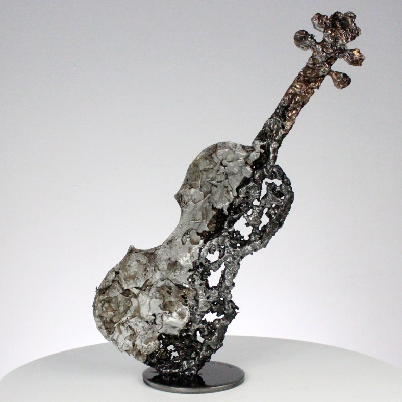 solo de violon sculpture dentelle acier bronze aluminium violin solo sculpture lace steel bronze aluminium