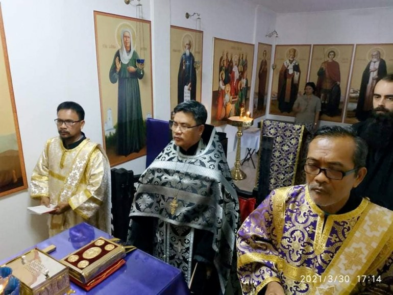 Father Romanos serves Matins