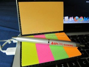 ballpen-and-post-it-notes