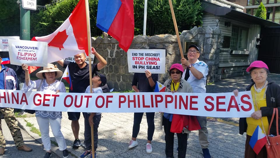 Filipinos protest Chinese incursions into Philippine waters