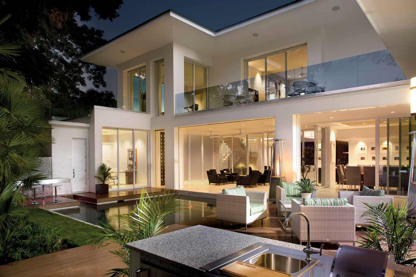 Outdoor Spaces Enhance Entertaining   Phil Kean Design Group on Indoor Outdoor Living Spaces id=86639