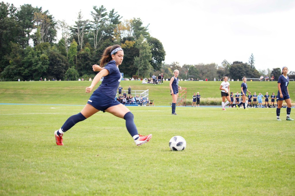 Girls Soccer Ties Choate, Shutout by Brooks