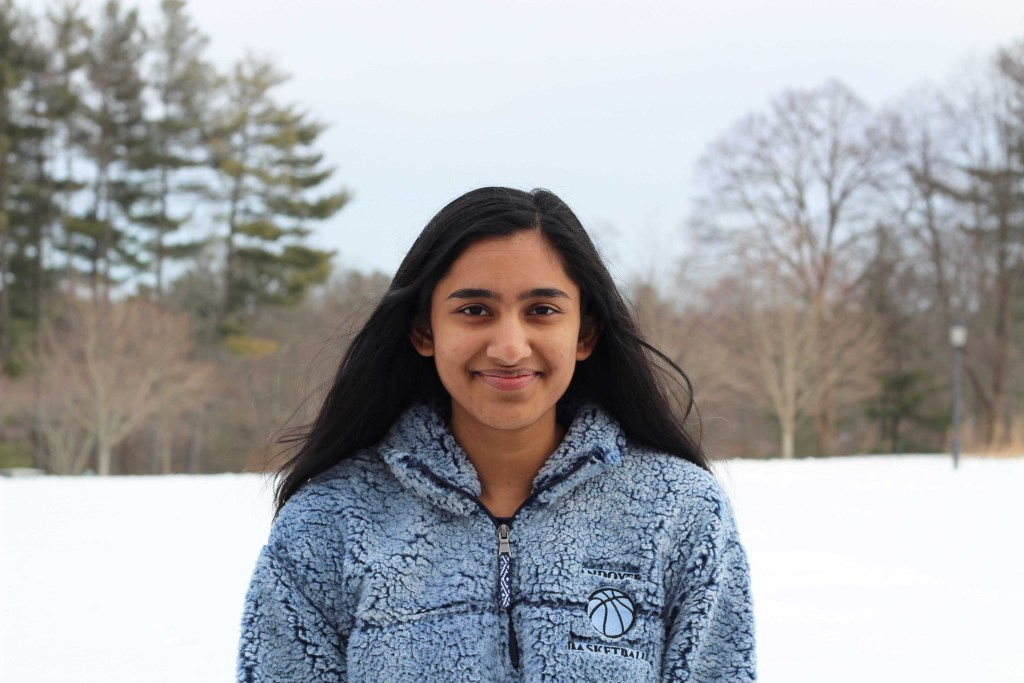 Co-Captain Feature: Rachna Lewis '19 Continues to Lead Despite Serious Knee Injuries