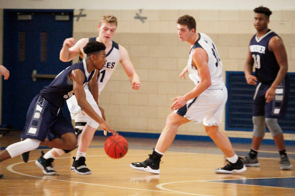 Boys Basketball Blow Out Nobles, Fall to Loomis and Tilton